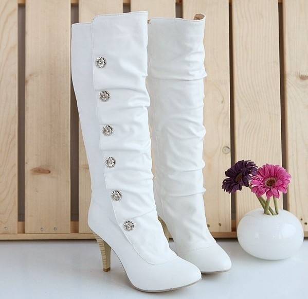 awesome-winter-wedding-shoes-and-boots-youll-love-17