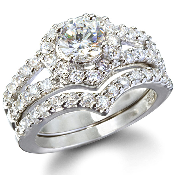 laurels-heart-shape-faux-diamond-wedding-ring-set