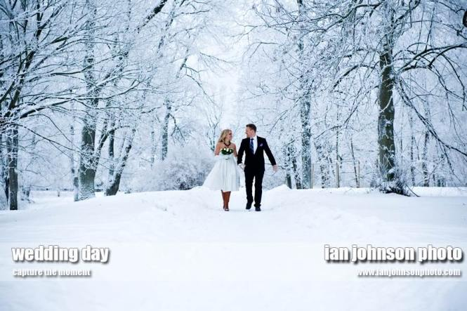 top-winter-wedding-photographers