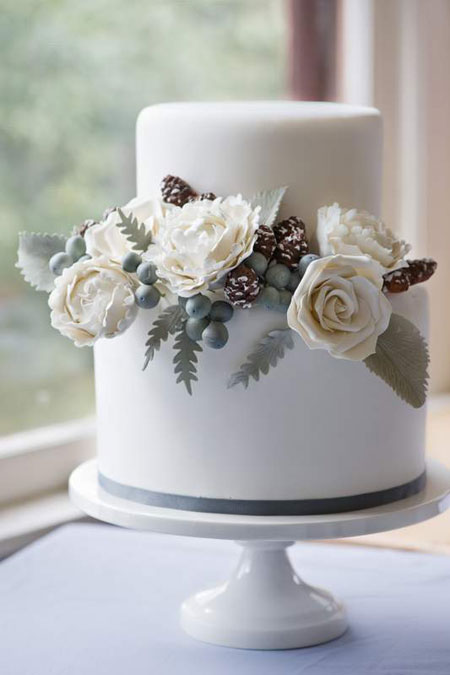 winter-wedding-cake