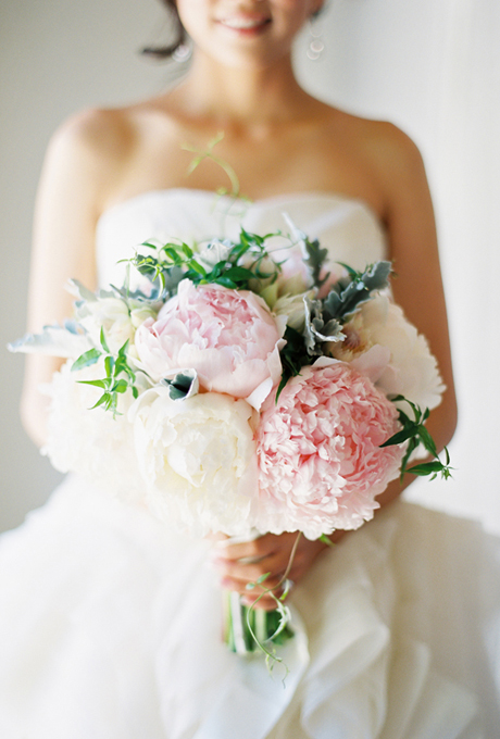 peony-wedding-flowers-bouquets-pink-and-white